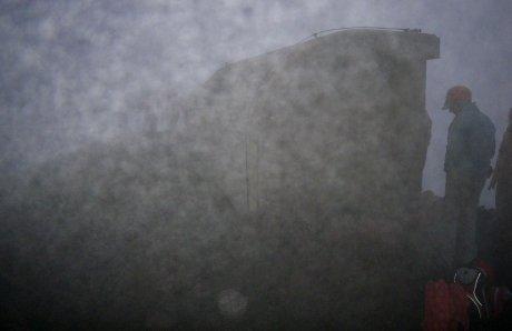 Nelle nubi, in vetta allo Stromboli