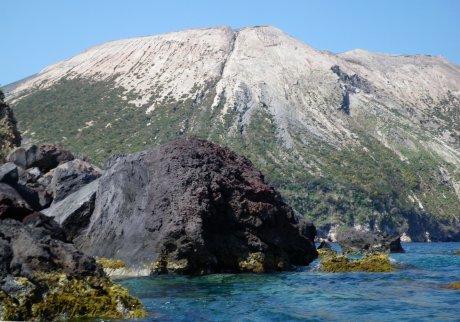 Costa Orientale - ai piedi del Vulcano