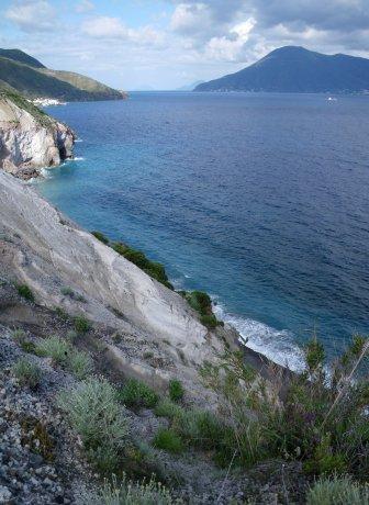 Punta Castagna e vista su Salina