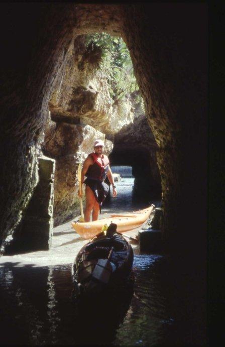 salento Cunicolo nella grotta della Poesia064