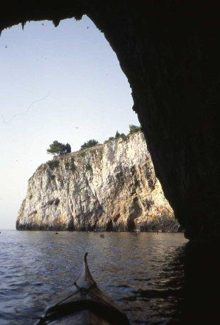 una dorsale vista dalla Grotta Zinzulusa