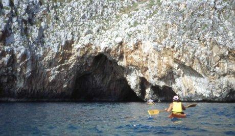 grotte e scogliere a levante